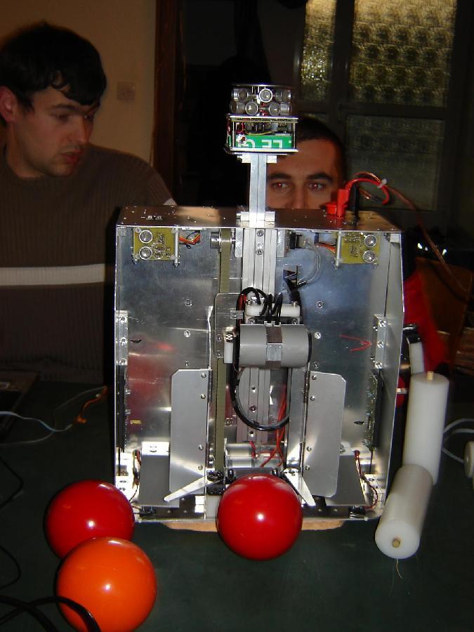 Robot monté, vue de face