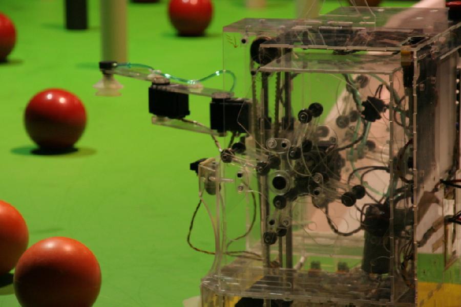 Zoom sur les entrailles du robot d'evolutek