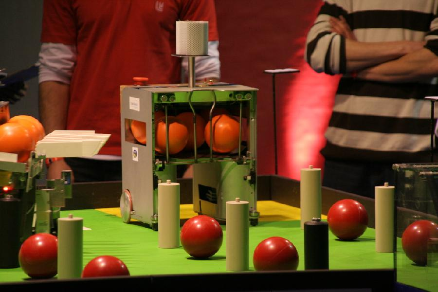 Robot ramasseur d'orange plein